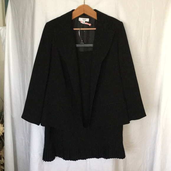 Le Suit Skirts Womens 2 Piece Professional Business Suit Poshmark